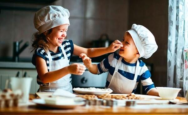 Поделиться Чем кормить ребенка при поносе?