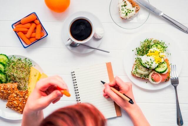 Что можно есть при диарее, а что нельзя?
