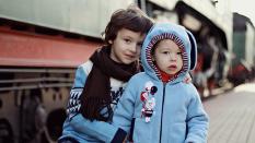 Что делать и чем лечить ребенка, если у него понос и его рвет?